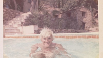 Nude Dudes and Swimming Pools: Inside the David Hockney Documentary