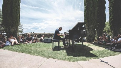 Arts and Arcology Pave the Way for Desert Experiment Arcosanti