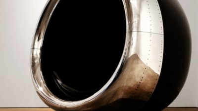Twee Britse broers maken meubels van afgedankte vliegtuigonderdelen