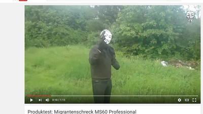 Anonymous bewirbt jetzt Waffen: Die wundersame Karriere von Migrantenschreck.net