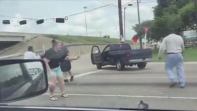 Este video de una pelea de tráfico te hará perder la poca fe que tienes en la humanidad