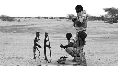 Bermbommen en terroristen: mee met de Nigerese patrouille door Mali