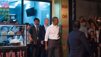 Inside the Hanoi Restaurant Where President Obama and Anthony Bourdain Dined Last Night
