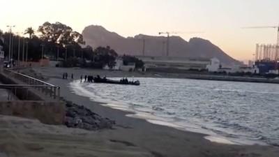 Narcolanchas de Gibraltar: el impune espectáculo del tráfico de hachís en el estrecho