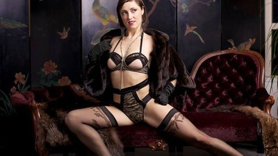 Am întrebat câteva stripteuze şi prostituate cum să te simţi bine goală