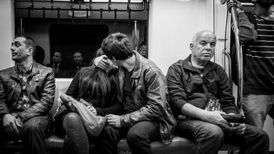 Estudo comprova o óbvio: ficar com uma só pessoa é impossível