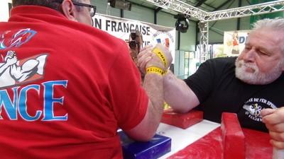 On est allé aux championnats de France de bras de fer