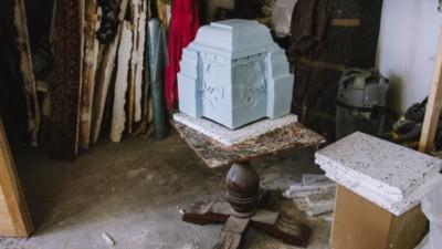 De ornamenten van Nynke Koster zijn een tijdreis langs invloedrijke bouwstijlen