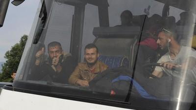Mii de refugiați sunt evacuați din tabăra de refugiați improvizată în Idomeni