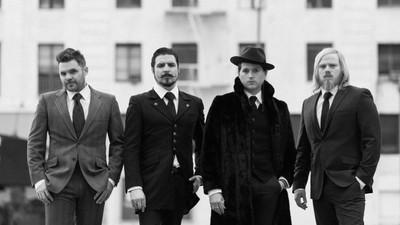 O rock clássico dos Rival Sons tem barba e é daquelas rijas