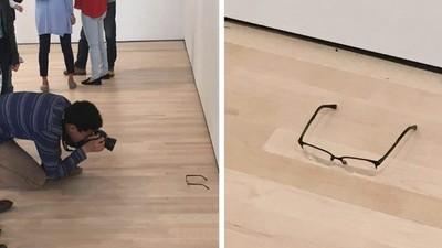 17-Jähriger legt im Museum seine Brille auf den Boden – und alle halten es für Kunst