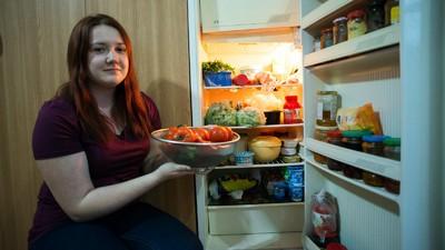 Fotografii cu frigiderele studenților din București
