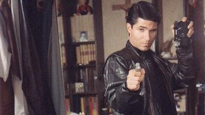 Schau dir an, wie dieser Schauspieler in seinem DIY-Film 102 verschiedene Rollen spielt