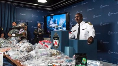 Toronto Police Chief Mark Saunders Got Owned by Pot Activists at His Press Conference