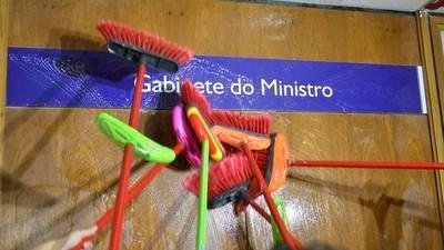Espírito opaco: ministro da Transparência é o segundo de Temer a entrar na dança de Machado