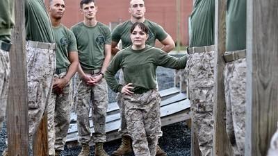 Femeia asta antrenează tipele din forțele speciale americane