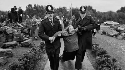 Avec les militantes anti-nucléaires de l'Angleterre des années 1980