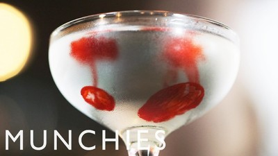 Cum să faci cocktailuri gothice de speriat vârcolaci