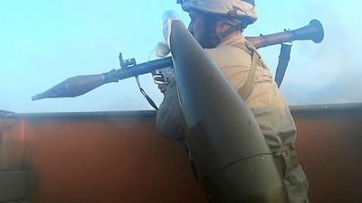 Ακολουθήσαμε Έναν Μαχητή του Ισλαμικού Κράτους Μέσα στο Πεδίο της Μάχης