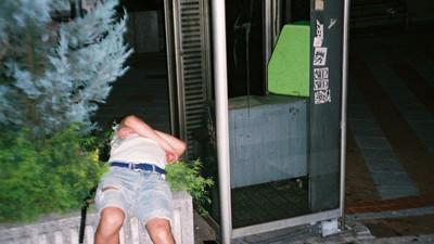 Komičnost a etika focení opilců