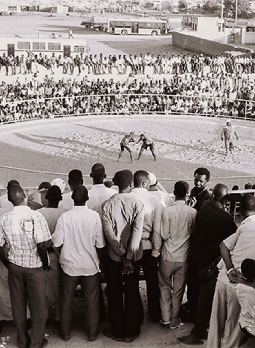 Panoramafoto's van worstelende mannen in Soedan