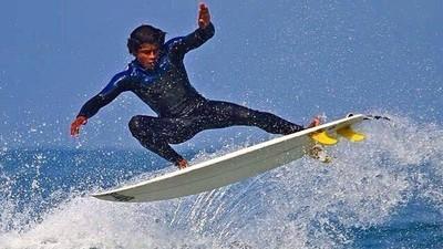 A evolução do surf vista pela lente de seis fotógrafos brasileiros