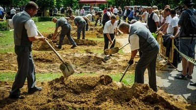 Gravediggers in Hungary Held a Race to Show the Kids Gravedigging Is Cool