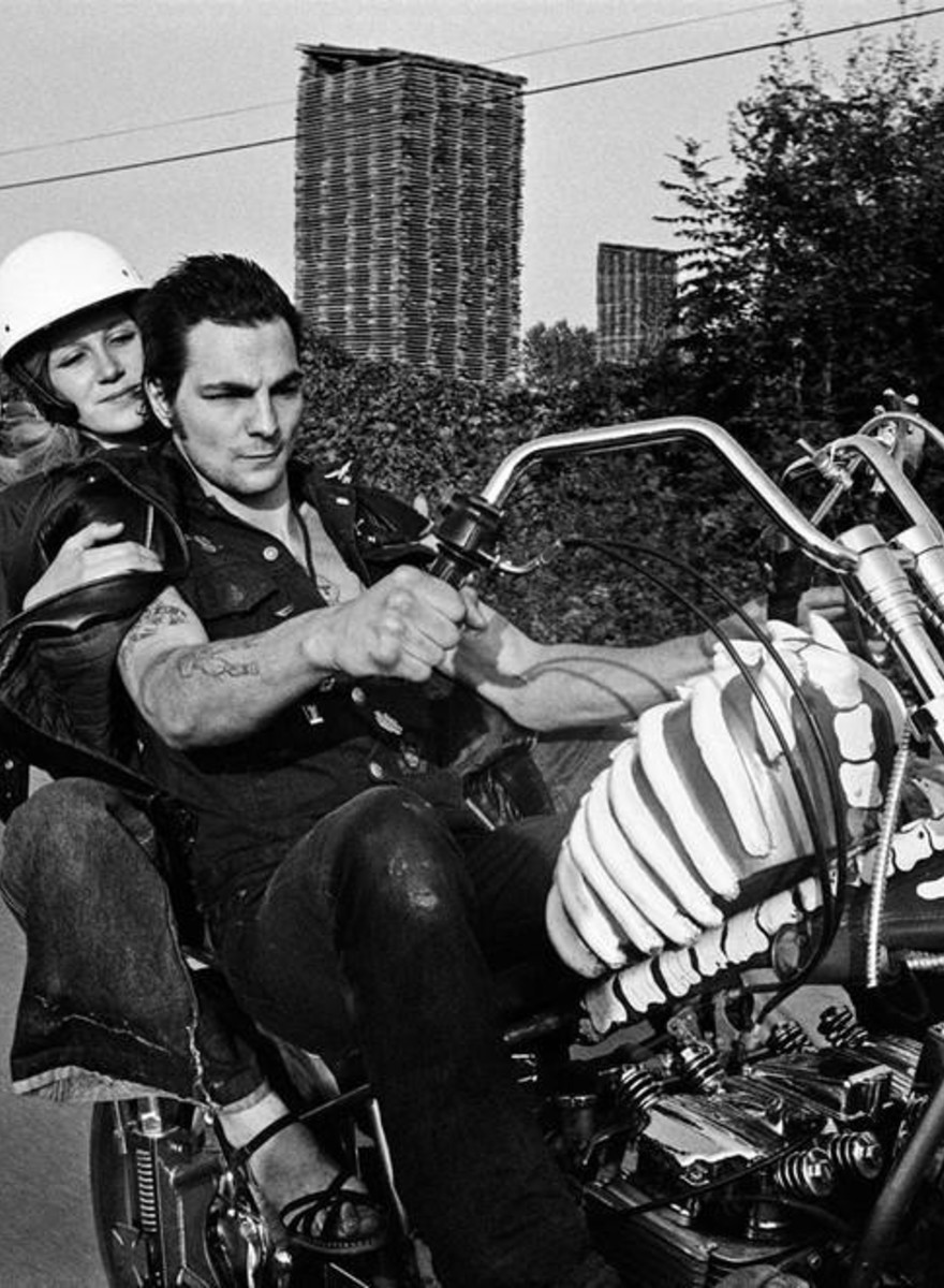 Nazi Chants and Canned Cassoulet: Photos of Parisian Bikers in the 70s