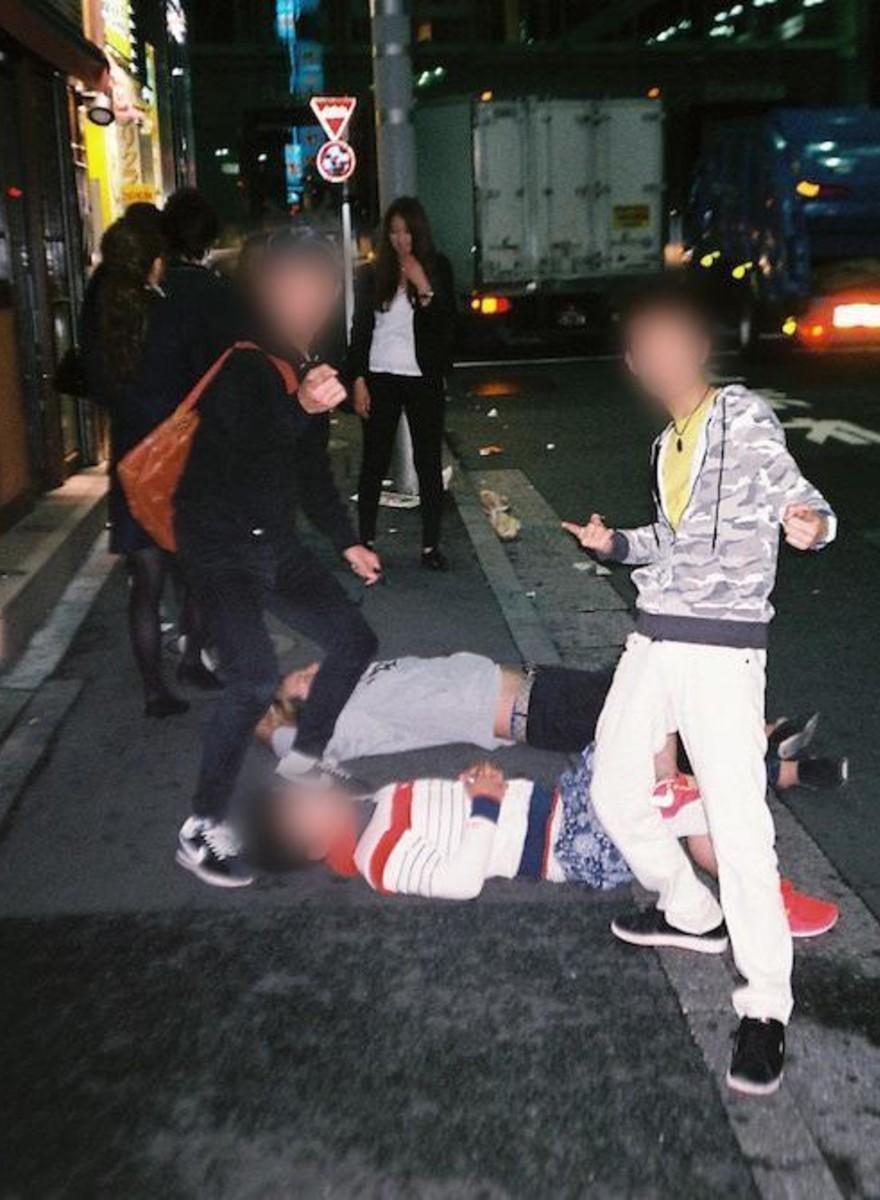 ¿Es ético fotografiar a japoneses borrachos?