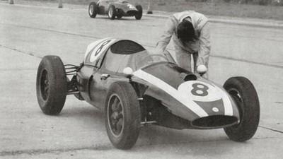 La historia de un piloto que ganó un mundial de Fórmula 1 empujando su automóvil