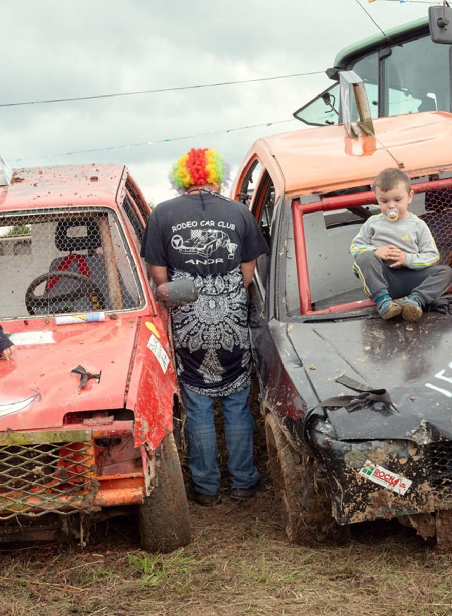 Scheuren met roestbakken bij de Rodeo Car Club