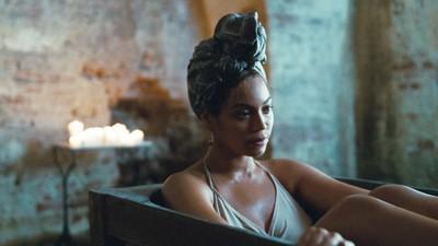 Wie Björk und Beyoncé das Bild der Frau mit gebrochenem Herzen im Pop zerstört haben
