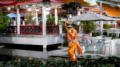 Bangkok's Rollerblade Restaurant Was a Wheel of Misfortune