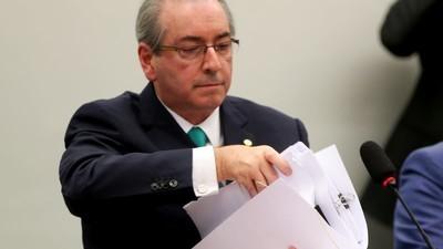 Sua cara fica branca desse lado do muro: Conselho de Ética pede cassação de Cunha