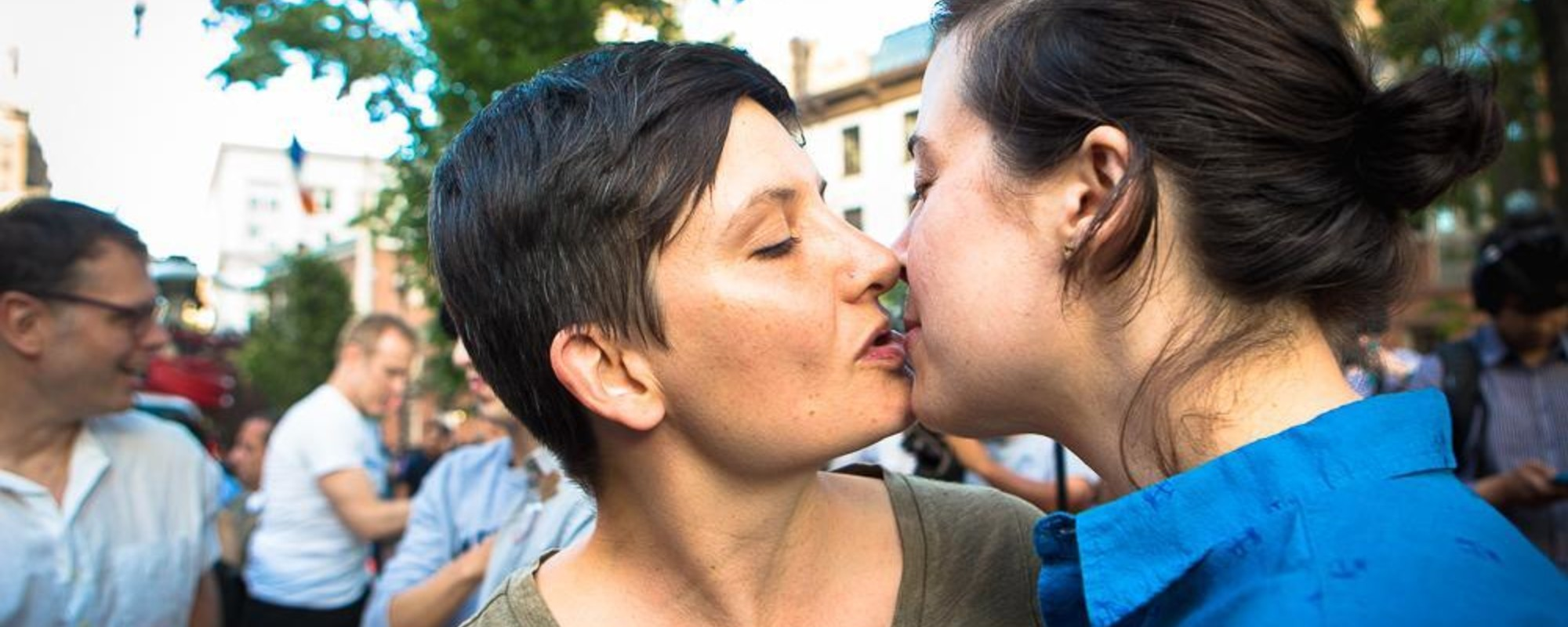 Fotografii cu dragostea și speranța de la priveghiul pentru victimele din Orlando