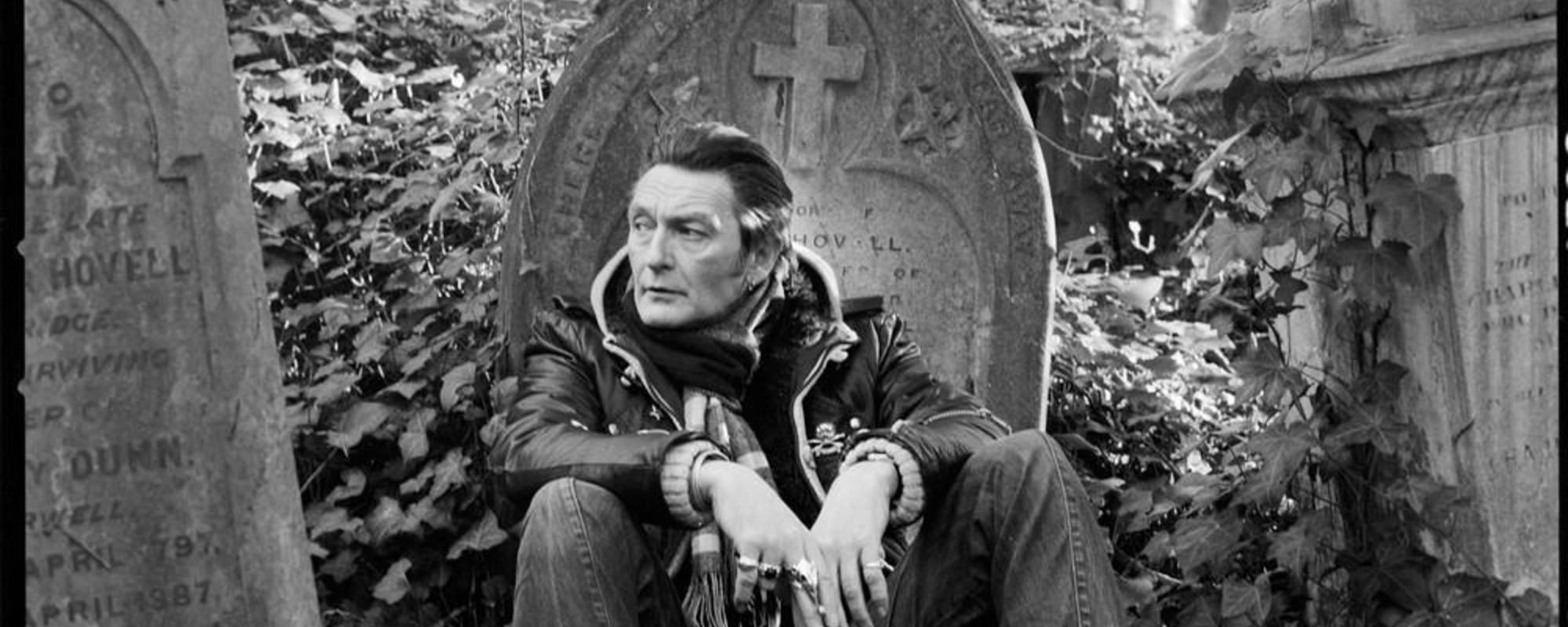Fotos de trabajadores de los cementerios de Londres