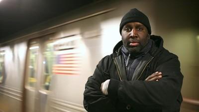 Μιλήσαμε με τον Διαβόητο Τρόφιμο των Φυλακών που Έκλεψε Ολόκληρους Συρμούς του Μετρό