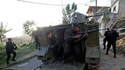 Cariocas estão usando o WhatsApp para denunciar assassinatos cometidos por policiais nas favelas