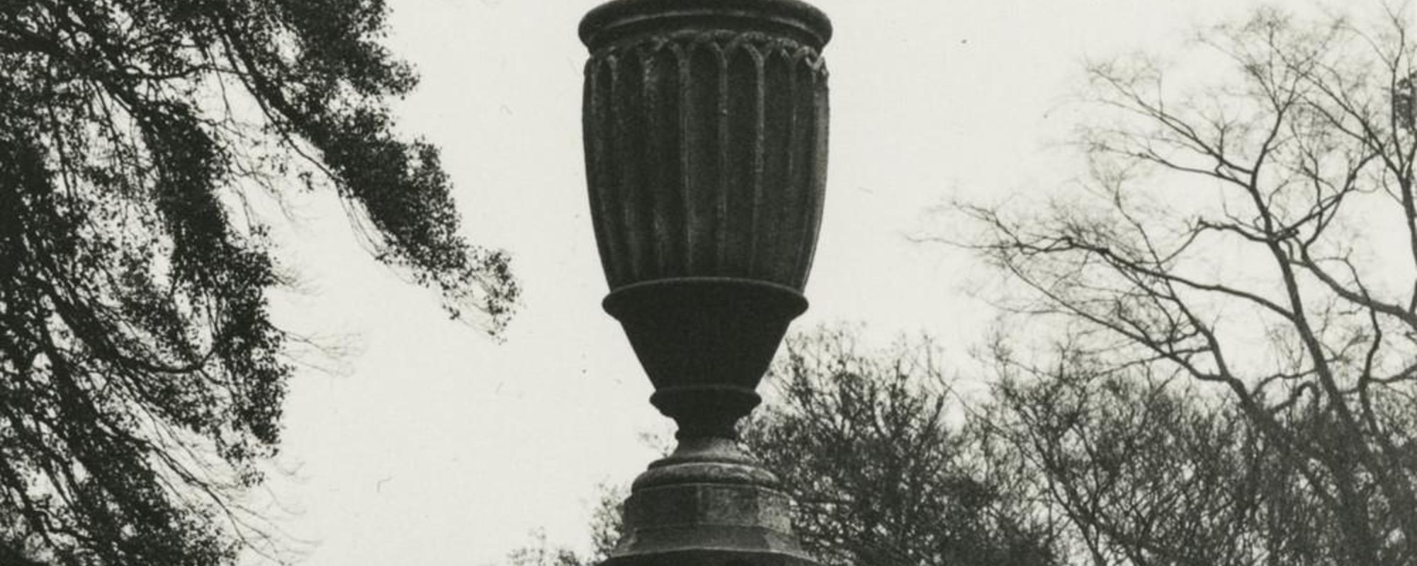 Bellas y tenebrosas fotografías de cementerios antiguos