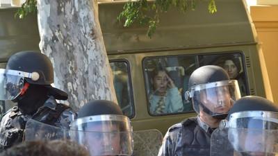 Spray de pimenta na cara, 40 estudantes e dois jornalistas presos: o saldo da ação da PM com estudantes das ocupações do RS