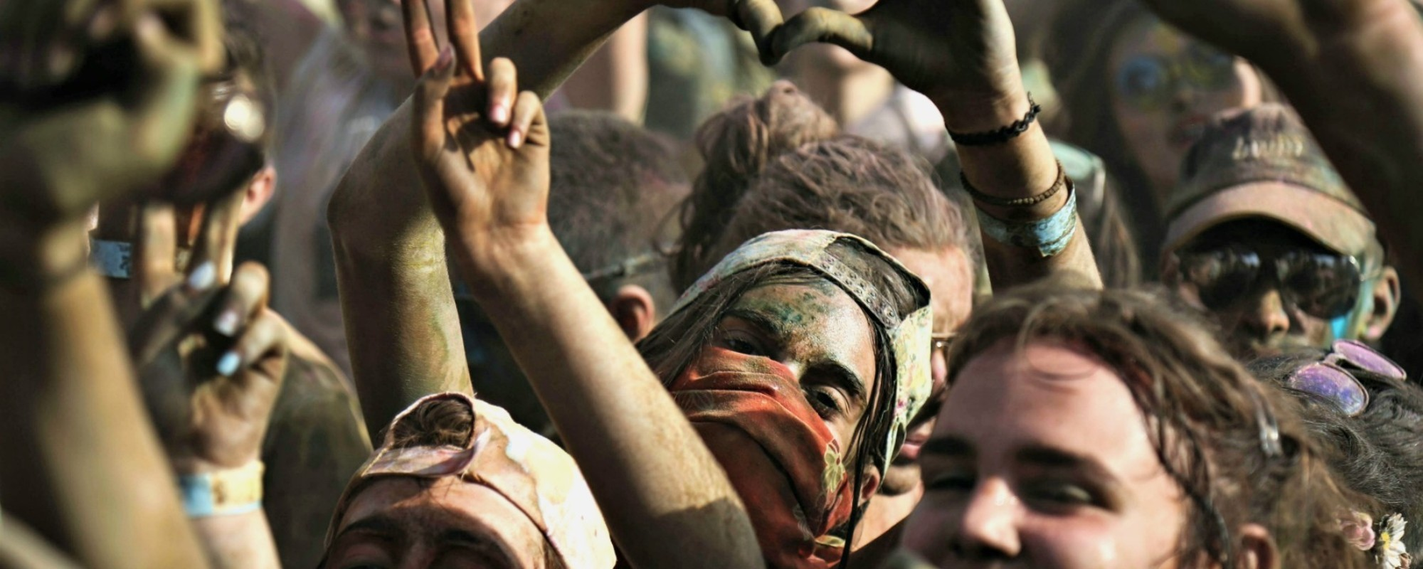 Η πιο Μαζική Ρίψη Χρωμάτων στην Ελλάδα