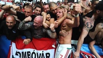 Los neonazis usan la Eurocopa para asaltar el poder