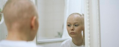 Photos of How Life Changes When Your 20-Year-Old Girlfriend Gets Cancer
