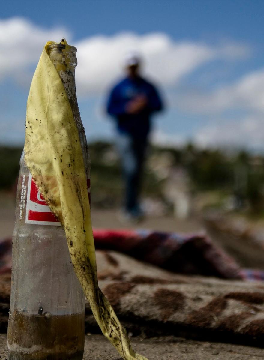 """""""Esto es lo único que tenemos para defendernos"""": Fotos desde los bloqueos de la CNTE"""