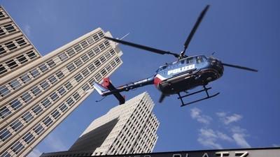 Ein Berliner holt einen Polizeihelikopter vom Himmel, weil ihn der Lärm genervt hat
