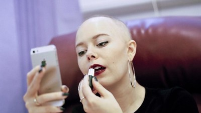 Hoe je leven verandert als je twintigjarige vriendin kanker blijkt te hebben