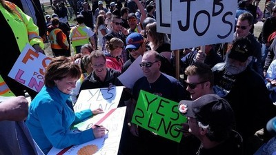 BC Can't Back LNG and Fight Climate Change at the Same Time, Climate Scientists Say