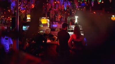 Ein Besuch im Münchner Swingerclub, in den nur Leute dürfen, die heiß sind