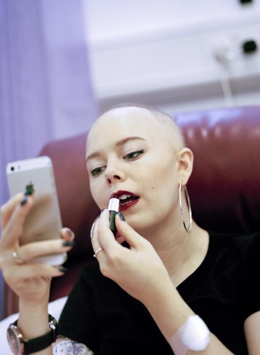 Fotos de cómo cambia la vida cuando le diagnostican cáncer a tu novia a sus 20 años