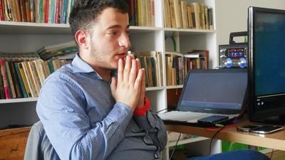 Cum e să scrii despre abuzurile din centrele de plasament românești, cât încă locuiești acolo